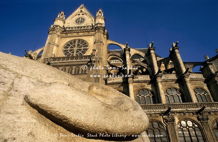 L'écoute sculpture with Église Saint-Eustache in the background, Paris, France.