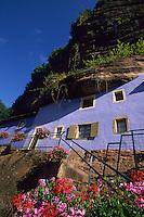 Europe/France/Alsace/67/Bas-Rhin/Graufthal : Les maisons troglodytiques -Maison des rochers de Graufthal