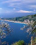 Italy, Sicily, view fromTaormina at resort Giardini-Naxos and volcano Etna