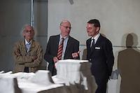"""Zum 20. Jahrestag des """"Verhuellten Reichstags"""" empfing Bundestagspraesident Norbert Lammert den Kuenstler Christo, auf dessen Initiative der Reichstag am 24. Juni 1995 das Kunstprojekt stattfand.<br /> Die Kuenstler Christo und seine 2009 verstorbene Ehefrau Jeanne-Claude hatten seit 1971 fuer ihr Projekt geworben, bis der Bundestag ihm einer namentlichen Abstimmung am 25. Februar 1994 endlich zustimmte. Ein Jahr spaeter, vom 24. Juni bis 7. Juli 1995, wurde das Reichstagsgebaeude verhuellt.<br /> Die Ausstellungsstuecke, welche die Geschichte des Projektes zeigen, wurden von dem  Unternehmer Lars Windhorst erworben und dem Bundestag fuer die Dauer von zunaechst 20 Jahren kostenlos zur Verfuegung stellt.<br /> Vlnr.: Christo, Bundestagspraesident Norbert Lammert, Lars Windhorst.<br /> 17.6.2015, Berlin<br /> Copyright: Christian-Ditsch.de<br /> [Inhaltsveraendernde Manipulation des Fotos nur nach ausdruecklicher Genehmigung des Fotografen. Vereinbarungen ueber Abtretung von Persoenlichkeitsrechten/Model Release der abgebildeten Person/Personen liegen nicht vor. NO MODEL RELEASE! Nur fuer Redaktionelle Zwecke. Don't publish without copyright Christian-Ditsch.de, Veroeffentlichung nur mit Fotografennennung, sowie gegen Honorar, MwSt. und Beleg. Konto: I N G - D i B a, IBAN DE58500105175400192269, BIC INGDDEFFXXX, Kontakt: post@christian-ditsch.de<br /> Bei der Bearbeitung der Dateiinformationen darf die Urheberkennzeichnung in den EXIF- und  IPTC-Daten nicht entfernt werden, diese sind in digitalen Medien nach §95c UrhG rechtlich geschuetzt. Der Urhebervermerk wird gemaess §13 UrhG verlangt.]"""