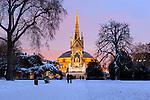 Great Britain, England, London, Kensington Gardens: Royal Albert Hall and Albert Memorial in snow from Kensington Gardens | Grossbritannien, England, London, Kensington Gardens: Royal Albert Hall und The Albert Memorial im Schnee