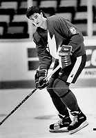A different man: Mario Lemieux, who's had mixed reviews in the past, scored winner Sunday and is on a roll. He's a super talent, says co-coach John Muckler. He's made me a believer.<br /> <br /> Photo : Boris Spremo - Toronto Star archives - AQP