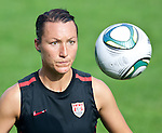15.06.2011, Steinbergstadion, Leogang, AUT, FIFA WOMENS WORLDCUP 2011, PREPERATION, USA, im Bild Jillian Loyden, (USA, #21) während eines Trainings zur Vorbereitung auf die FIFA Damen Fussball Weltmeisterschaft 2011 in Deutschland // during a Trainingssession for the FIFA Women´s Worldcup 2011 in Germany, on 2011/06/15, Steinberg Stadium, Leogang, Austria, EXPA Pictures © 2011, PhotoCredit: EXPA/ J. Feichter