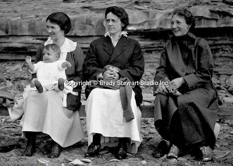 Erie PA: Sarah and Helen Stewart with Sarah's sister and mother on the Lake Erie shore.