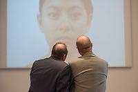 """Ausstellung """"Dialog mit der Zeit"""" im Museum fuer Kommunikation in Berlin-Mitte.<br /> Vom 1. April bis 23. August 2015 werden in der Ausstellung die Facetten des Alters und der Alterns erlebbar gemacht.<br /> Bundespraesident Joachim Gauck eroeffnete die Ausstellung am 31. Maerz 2015 mit einem Rundgang und einer Rede zu neuen Altersbildern in einer Gesellschaft des laengeren Lebens.<br /> Im Bild: Eine Videoinstallation zum Thema """"alt werden"""" bei dem ein Gesicht im Zeitraffer aelter wird.<br /> 31.3.2015, Berlin<br /> Copyright: Christian-Ditsch.de<br /> [Inhaltsveraendernde Manipulation des Fotos nur nach ausdruecklicher Genehmigung des Fotografen. Vereinbarungen ueber Abtretung von Persoenlichkeitsrechten/Model Release der abgebildeten Person/Personen liegen nicht vor. NO MODEL RELEASE! Nur fuer Redaktionelle Zwecke. Don't publish without copyright Christian-Ditsch.de, Veroeffentlichung nur mit Fotografennennung, sowie gegen Honorar, MwSt. und Beleg. Konto: I N G - D i B a, IBAN DE58500105175400192269, BIC INGDDEFFXXX, Kontakt: post@christian-ditsch.de<br /> Bei der Bearbeitung der Dateiinformationen darf die Urheberkennzeichnung in den EXIF- und  IPTC-Daten nicht entfernt werden, diese sind in digitalen Medien nach §95c UrhG rechtlich geschuetzt. Der Urhebervermerk wird gemaess §13 UrhG verlangt.]"""
