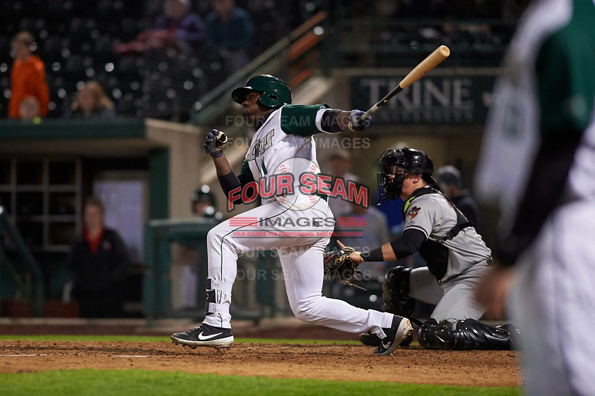 Fort Wayne TinCaps left fielder Dwanya Williams-Sutton (11) during a Midwest League game against the Quad Cities River Bandits at Parkview Field on May 3, 2019 in Fort Wayne, Indiana. Quad Cities defeated Fort Wayne 4-3. (Zachary Lucy/Four Seam Images)