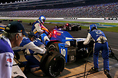 Verizon IndyCar Series<br /> Rainguard Water Sealers 600<br /> Texas Motor Speedway, Ft. Worth, TX USA<br /> Saturday 10 June 2017<br /> Tony Kanaan, Chip Ganassi Racing Teams Honda pit stop<br /> World Copyright: Phillip Abbott<br /> LAT Images<br /> ref: Digital Image abbott_texasIC_0617_4412
