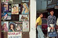 - video-tapes store in Van  (south-oriental Turkey, Turkish Kurdistan)....- negozio di videocassette a Van (Turchia sud-orientale, Kurdistan turco)