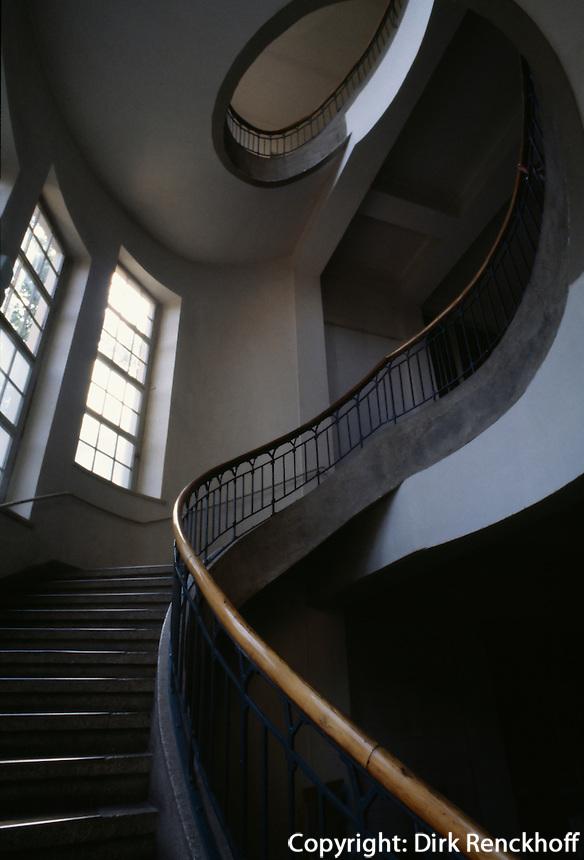 Wendeltreppe in der Bauhochschule in Weimar, Thüringen,  Deutschland, Unesco-Weltkulturerbe