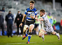 19th February 2021; Recreation Ground, Bath, Somerset, England; English Premiership Rugby, Bath versus Gloucester; Tom de Glanville of Bath evades the tackle from Ed Slater of Gloucester
