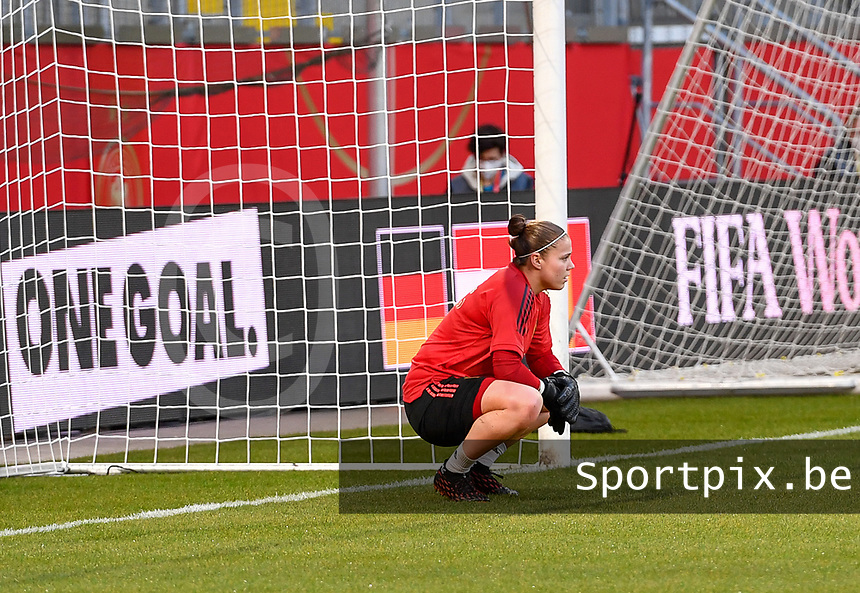 Belgian goalkeeper Justien Odeurs (1) pictured ahead of a friendly female soccer game between the national teams of Germany and  Belgium , called the Red Flames  in a pre - bid tournament called Three Nations One Goal with the national teams from Belgium , The Netherlands and Germany towards a bid for the hosting of the 2027 FIFA Women's World Cup , on Sunday 21 st of February 2021  in Aachen , Germany . PHOTO SPORTPIX.BE | SPP | STIJN AUDOOREN