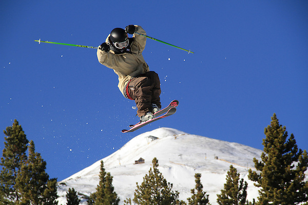 .  John leads private ski trips to Front Range and Summit County Ski Areas in Colorado.