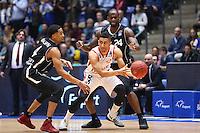Kwame Vaughn (Fraport Skyliners) und Mike Morrison (Fraport Skyliners) verteidigen gegen Maodo Lo (Brose Baskets Bamberg) - 12.02.2017: Fraport Skyliners vs. Brose Baskets Bamberg, Fraport Arena Frankfurt