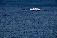 Europe/France/Provence-Alpes-Côte d'Azur/13/Bouches-du-Rhône/Marseille:Pointu  Bateau de pêche prenant la mer