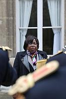 MARIE NOELLE KOYARA (MINISTRE DE LA DEFENSE DE LA REPUBLIQUE CENTRAFRICAINE) - ENTRETIEN DE FLORENCE PARLY, MINISTRE DES ARMEES, AVEC MARIE NOELLE KOYARA, MINISTRE DE LA DEFENSE DE LA REPUBLIQUE CENTRAFRICAINE A L'HOTEL DE BRIENNE, PARIS, FRANCE, LE 10/11/2017.