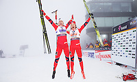 Holmenkollen, 20110302. Lagsprint. Astrid Urenholdt Jacobsen og Maiken Caspersen Falla. Ski vm holmenkollen oslo. Foto: Eirik Helland Urke / Dagbladet