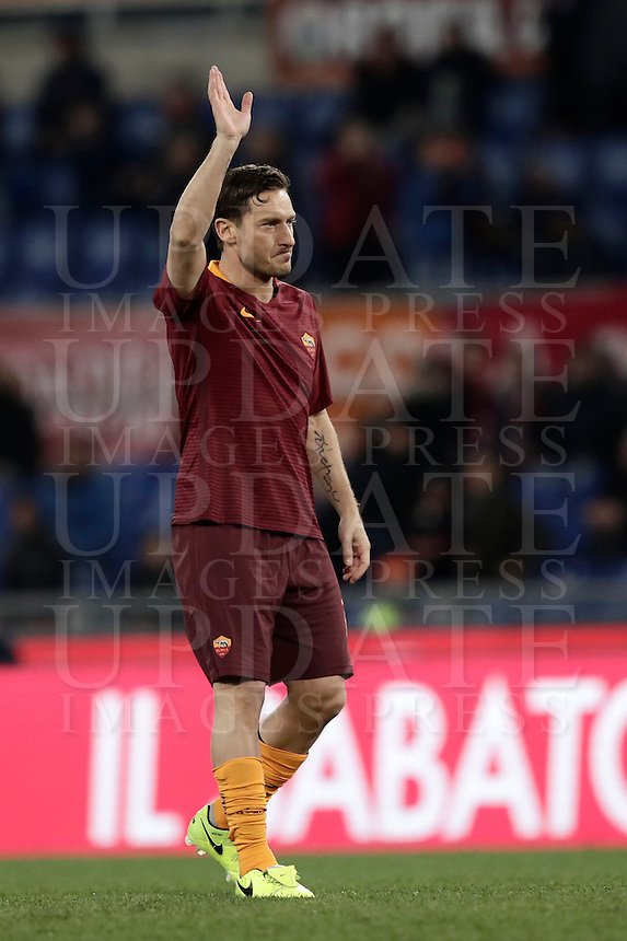 Calcio, Serie A: Roma, stadio Olimpico, 19 febbraio 2017.<br /> Roma's Francesco Totti greets his supporters during the Italian Serie A football match between As Roma and Torino at Rome's Olympic stadium, on February 19, 2017.<br /> UPDATE IMAGES PRESS/Isabella Bonotto