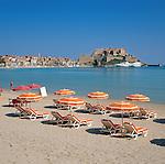 France, Corsica, Calvi: Beach Scene and the Citadel | Frankreich, Korsika, Calvi: Strand und Zitadelle