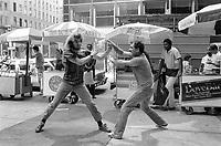 - new York, brawl on 5th Avenue<br /> <br /> - New York, rissa sulla 5a Strada