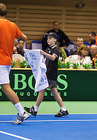 07-04-13, Tennis, Rumania, Brasov, Daviscup, Rumania-Netherlands, Thiemo de Bakker receives a towel from a ballboy