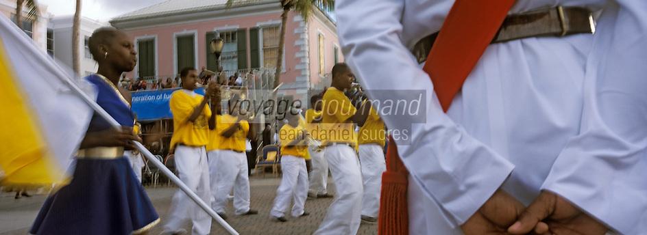 Iles Bahamas / New Providence et Paradise Island / Nassau: Défilé et fète populaire lors de la Fanfare de la Royal Bahamas Police Force Band lors de l'ouverture de la session de la cour suprème à Rawson Square - La section cuivre
