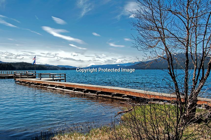 A mid-spring view to the west over Odell Lake, OR.