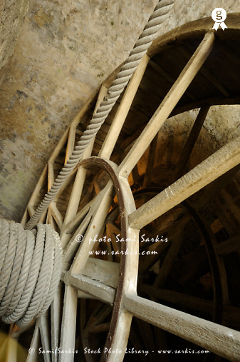 Wooden mechanism of service elevator - France, Brittany, Mont-Saint-Michel (Licence this image exclusively with Getty: http://www.gettyimages.com/detail/sb10066852d-001 )
