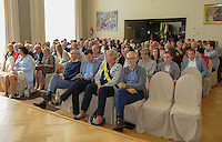 20160605 – OOSTENDE , BELGIUM :  all invited persons pictured during the 2nd edition of the Sparkle award ceremony , Sunday 5 June 2016 , in Oostende . The Sparkle  is an award for the best female soccer player during the season 2015-2016 comparable to the Golden Shoe or Boot / Gouden Schoen / Soulier D'or for Men in Belgium . PHOTO SPORTPIX.BE / DIRK VUYLSTEKE