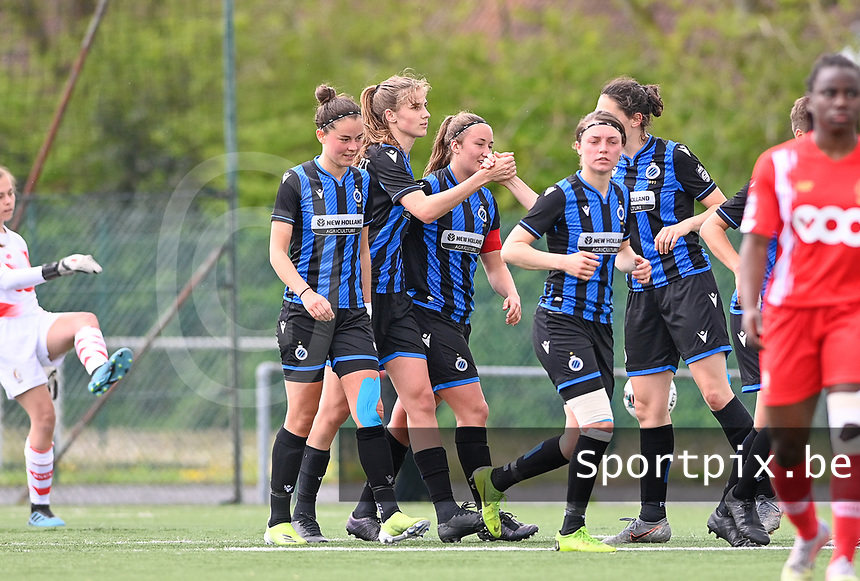 Marie Minnaert (13) of Club Brugge pictured celebrating with teammates after scoring a goal during a female soccer game between Club Brugge Dames YLA and Standard Femine de Liege on the seventh matchday in Play-Off 1 of the 2020 - 2021 season of Belgian Scooore Womens Super League , saturday 15 May 2021  in Brugge , Belgium . PHOTO SPORTPIX.BE | SPP | DAVID CATRY