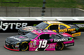 NASCAR XFINITY Series<br /> Kansas Lottery 300<br /> Kansas Speedway, Kansas City, KS USA<br /> Saturday 21 October 2017<br /> Matt Tifft, Surface/Fanatics Toyota Toyota Camry and Brendan Gaughan, South Point / City Lights Shine Chevrolet Camaro<br /> World Copyright: Russell LaBounty<br /> LAT Images