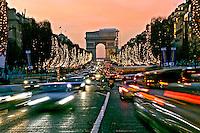Avenida Champs Élysées e Arco do Triumfo, Paris, França. 2004. Foto de Ricardo Azoury.