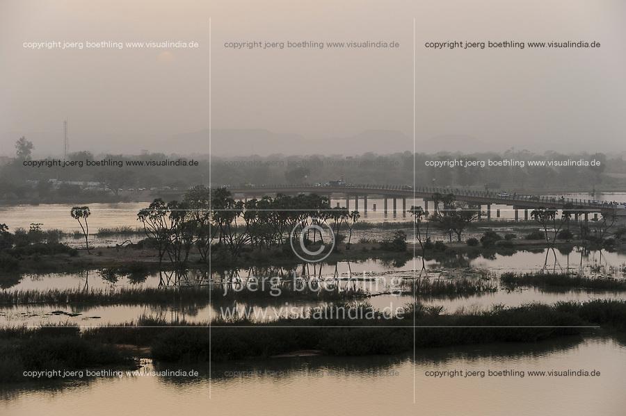 NIGER Niamey, river Niger, Kennedy bridge