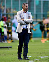 PALMIRA - COLOMBIA, 22-05-2019: Lucas Pusineri técnico del Cali gesticula durante partido entre Deportivo Cali de Colombia y Club Atlético Peñarol de Uruguay por la segunda ronda de la Copa CONMEBOL Sudamericana 2019 jugado en el estadio Deportivo Cali de la ciudad de Palmira. / Lucas Pusineri coach of Cali gestures during match between Deportivo Cali of Colombia and Club Atletico Peñarol of Uruguay for the second round as part Copa CONMEBOL Sudamericana 2019 played at Deportivo Cali stadium in Palmira city.  Photo: VizzorImage / Nelson Rios / Cont