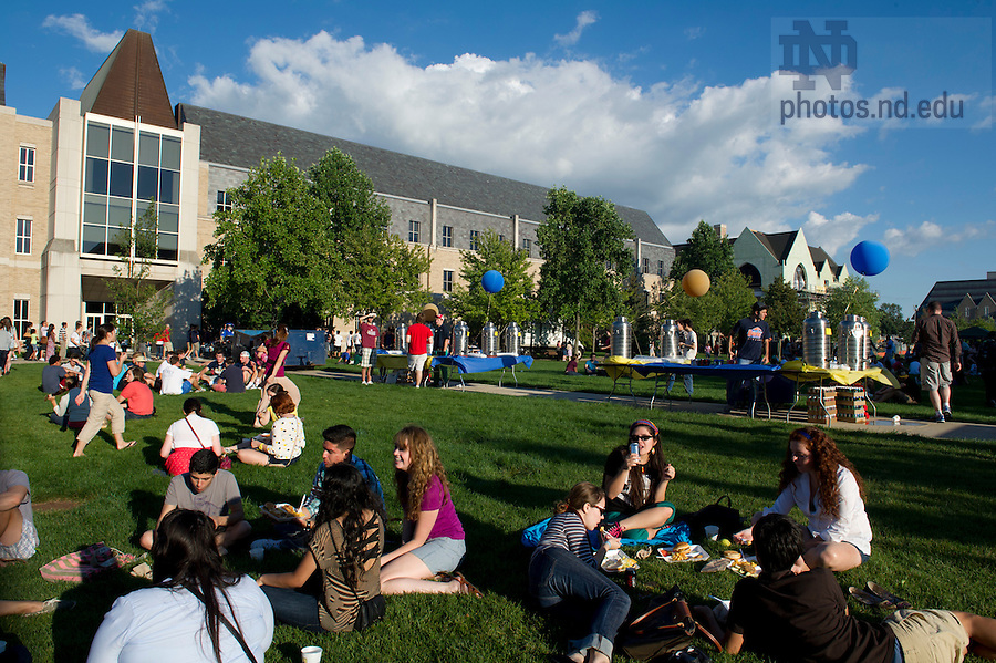 August 21, 2012; The annual picnic on DeBartolo Quad following opening Mass. Photo by Barbara Johnston/University of Notre Dame