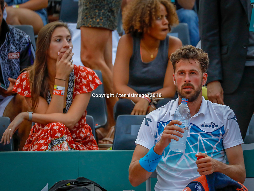 Paris, France, 27 May, 2018, Tennis, French Open, Roland Garros,  Robin Haase (NED) on the left his girlfriend Kim de Valk<br /> Photo: Henk Koster/tennisimages.com