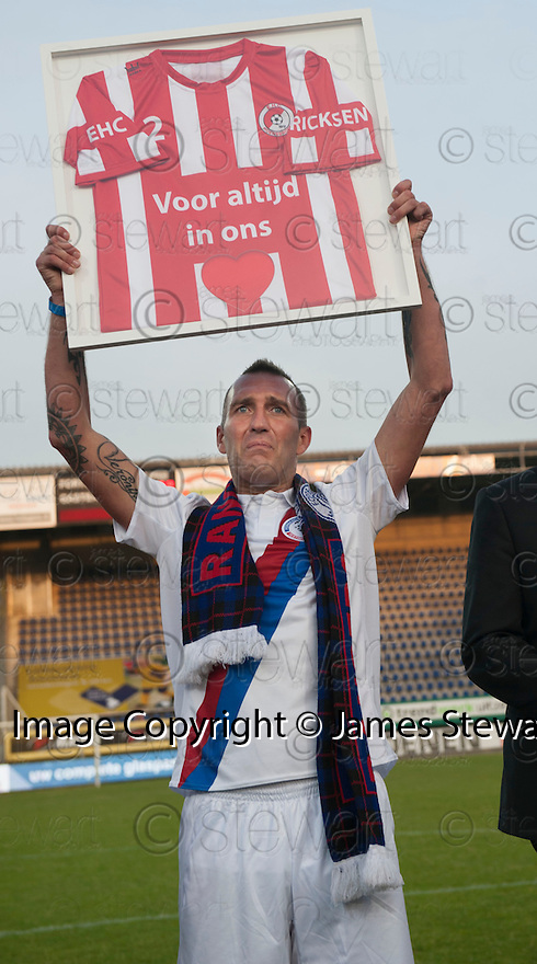 Fernando Ricksen Testimonial :  Fernando Ricksen with a shirt presented to him at the end of the game.