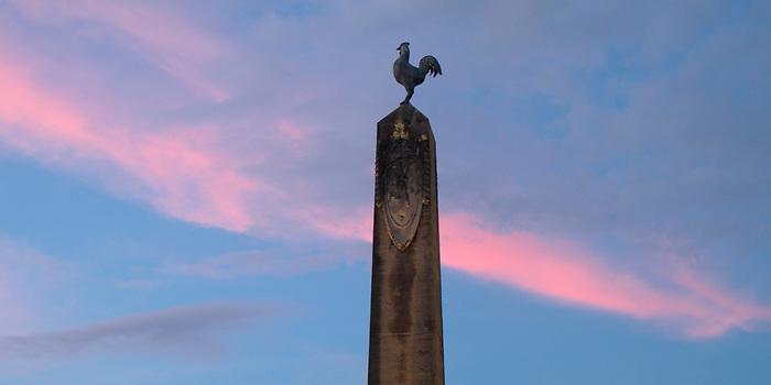 Luces de Francia | Obelisco con gallo galo / Plaza de Francia, Panamá.<br /> <br /> Panorámica de 2 fotografías.<br /> <br /> Edición limitada de 5 - Fine Art