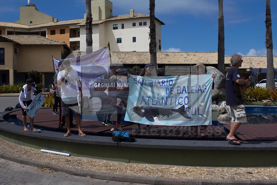 FLORIANÓPOLIS, SC, 10.09.2018 - IWC-SC - protesto durante de ongs ambientais 67ª reunião anual de Membros da IWC (International Whaling Commission) em Florianópolis nesta segunda-feira 10. (Foto: Naian Meneghetti/Brazil Photo Press)