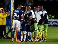 BOGOTA - COLOMBIA - 25 – 03 - 2018: Los jugadores de Millonarios y Jaguares F. C., durante partido de la fecha 10 entre Millonarios y Jaguares F. C., por la Liga Aguila I 2018, jugado en el estadio Nemesio Camacho El Campin de la ciudad de Bogota. / The players of Millonarios and Jaguares F. C., during a match of the 10th date between Millonarios and Jaguares F. C., for the Liga Aguila I 2018 played at the Nemesio Camacho El Campin Stadium in Bogota city, Photo: VizzorImage / Luis Ramirez / Staff.