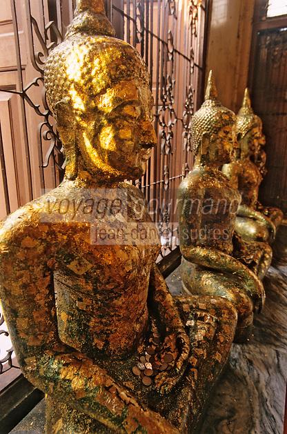 Thaïlande/Bangkok: Au temple de Wat Traimit ou temple du Bouddha d'Or - Statues de Bouddha
