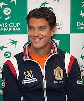 08-02-12, Netherlands,Tennis, Den Bosch, Daviscup Netherlands-Finland, Training, Jesse Huta Galung.