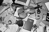 LETTLAND, 21.08.91.Riga.Während des Anti-Gorbatschow-Putsches versuchen sowjetische Truppen, die Kontrolle über Riga zu erhalten, mit dem Scheitern des Putsches gewinnt Lettland endgültig seine Unabhängigkeit. - Chaos und Zerstoerung herrschen in der soeben von sowjetischen Fallschirmjägern geräumten Rundfunkzentrale.   During the anti-Gorbachev-coup Soviet troops try to obtain control of Riga. With the failure of the coup Latvia finally regains its independence. - Chaos and destruction rule the radio central which just has been left by the occupying Soviet paratroopers..© Martin Fejer/EST&OST