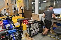 CROATIA, Sveta Nedelja near Zagreb, Rimac Automobili, Greyp e-bike manufacturing  / KROATIEN, Sveta Nedelja bei Zagreb , Rimac Automobili, Unternehmen Greyp Elektrofahrrad Herstellung, Rückkamera