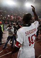 Calcio, Serie A: Roma-Milan. Roma, stadio Olimpico, 7 maggio 2011..Football, Italian serie A: AS Roma vs AC Milan. Rome, Olympic stadium, 7 may 2011..AC Milan midfielder Clarence Seedorf, of the Netherlands, celebrates with fans at the end of the match for the winning of the 18th championship..UPDATE IMAGES PRESS/Riccardo De Luca