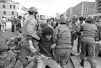 - Genova, contestazione pacifista alla Mostra Navale, salone delle armi navali (Maggio 1989)<br /> <br /> - Genoa, pacifist protest against the Naval Exhibition, naval weapons fair (May 1989)