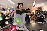 BIOPOLIS. Supermercato di alimenti e prodotti biologici e biodinamici.Biological and biodynamic food and products supermarket. ...