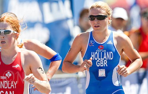 11 SEP 2009 - SOUTHPORT, AUS - Vicky Holland (GBR) - U23 Womens race at the ITU World Championships (PHOTO (C) NIGEL FARROW)
