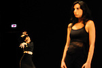 ANA FINTIZARAK....Choregraphie : YOUNES Yalda..Avec :..YOUNES Yalda..HAMDAN Yasmine..Lieu : Studio de danse..Cadre : Festival Les Antipodes..Ville : Brest..Le : 23 02 2009....© Laurent PAILLIER / photosdedanse.com