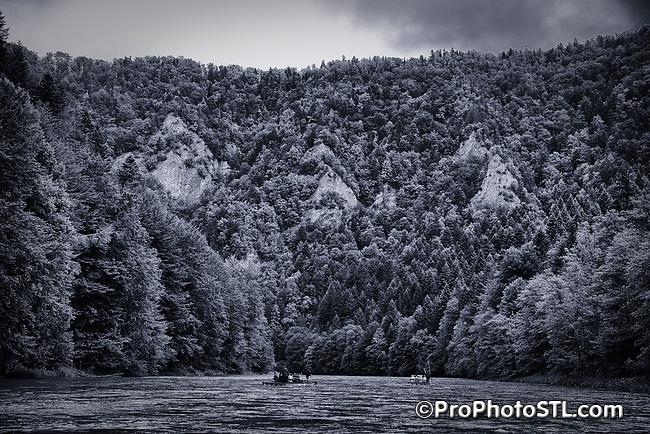 Dunajec river rafting in Poland