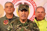 """BOGOTA-COLOMBIA-1-02-2013 .El comandante de las Fuerzas Armadas de Colombia ,general Alejandro Navas durante la conferencia de prensa en el ministerio de defensa nacional donde informó al  país la muerte en combate del jefe guerrillero del quinto frente de  las FARC ,alias """"Jacobo Arango"""" y seis guerrilleros más en el departamento de Córdoba. (Foto/VizzorImage / Felipe Caicedo / Staff). BOGOTA-COLOMBIA-1-02-2013. Commander of the Armed Forces of Colombia, General Alejandro Navas during the press conference at the Ministry of Defence where the country reported the death in combat of guerrilla leader of the fifth against the FARC , alias """"Jacobo Arango"""" and six other guerrillas in the department of Cordoba.(Photo / VizzorImage / Felipe Caicedo / Staff)."""